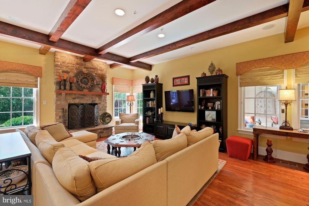 family room open to kitchen and breakfast area - 11215 KINSALE CT, ELLICOTT CITY
