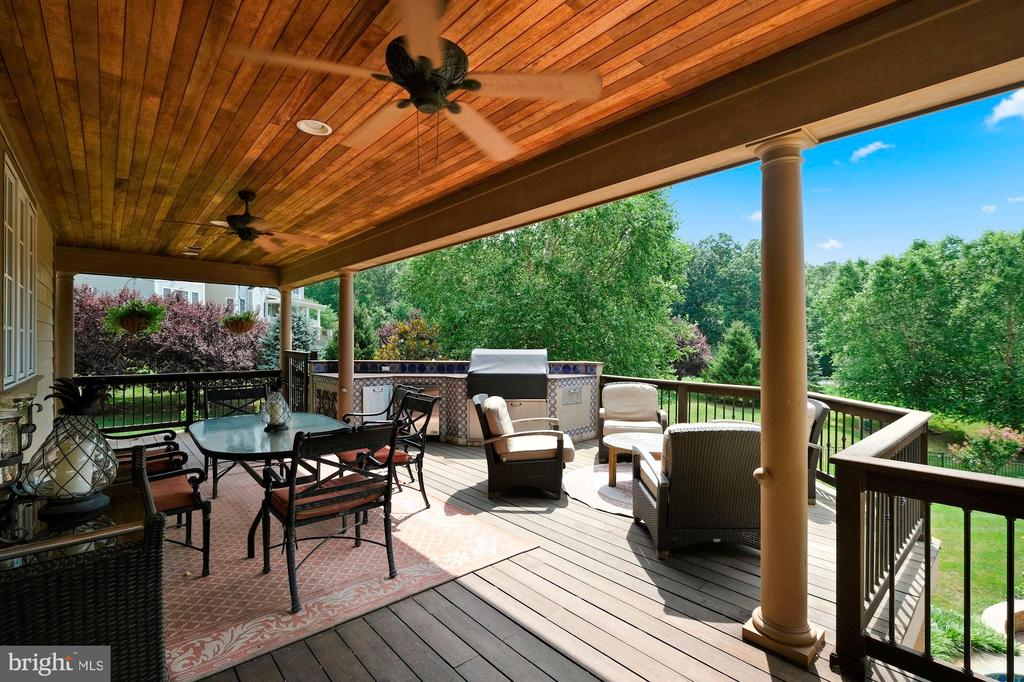 outdoor kitchen and terrace off of kitchen - 11215 KINSALE CT, ELLICOTT CITY