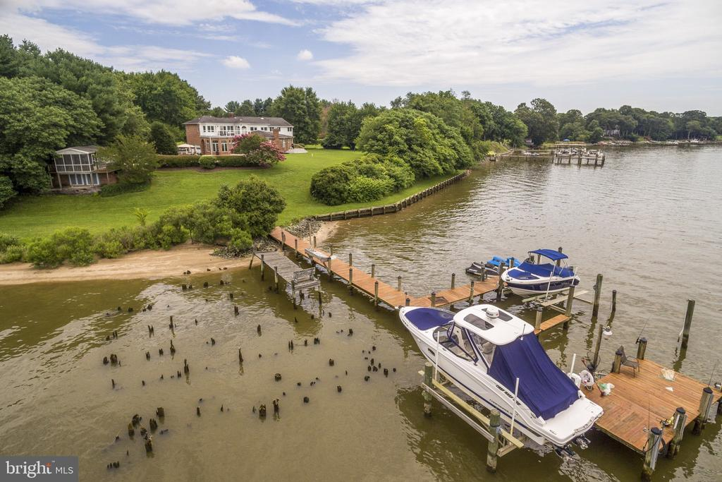 Once  an historic port for ships -see old pilings - 3580 DEEP LANDING RD, HUNTINGTOWN