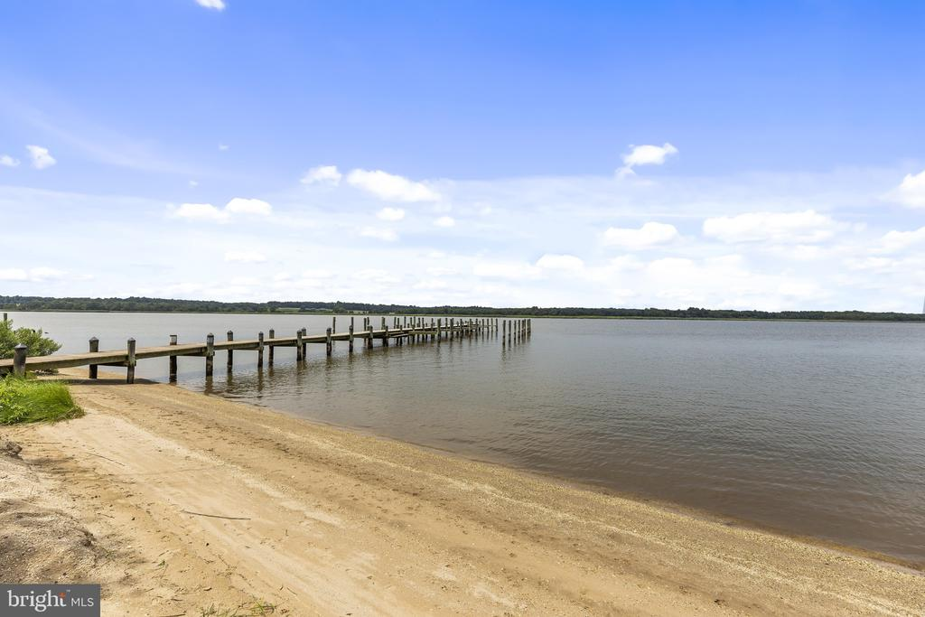 Your Own Sandy Beach! - 3580 DEEP LANDING RD, HUNTINGTOWN