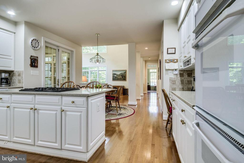 Double Ovens - 3720 SPICEWOOD DR, ANNANDALE