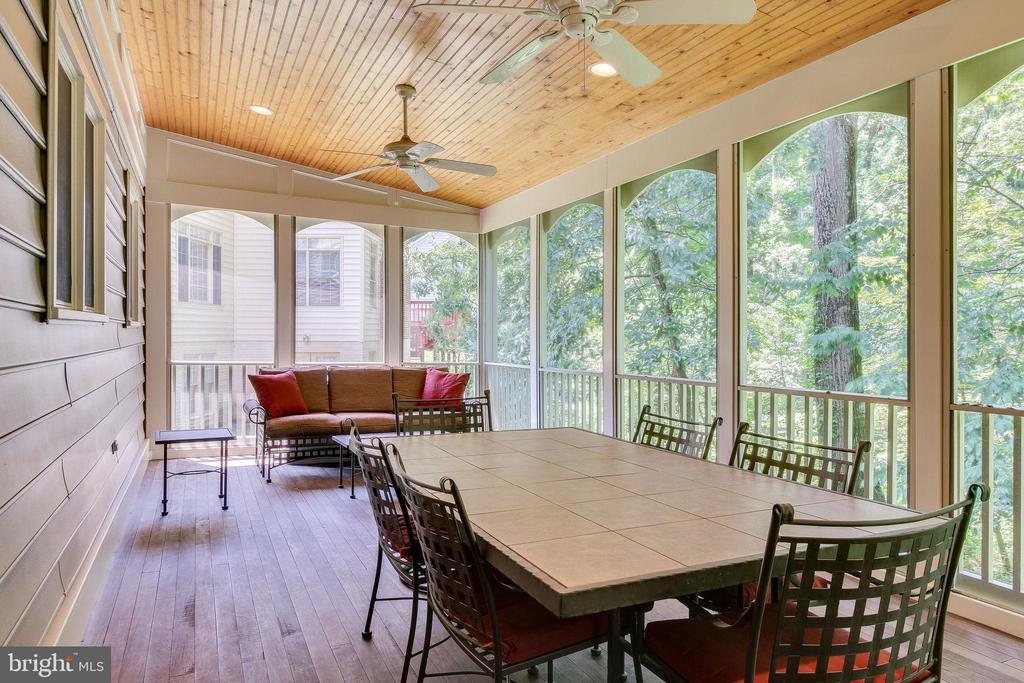 Ceiling fans - 3720 SPICEWOOD DR, ANNANDALE