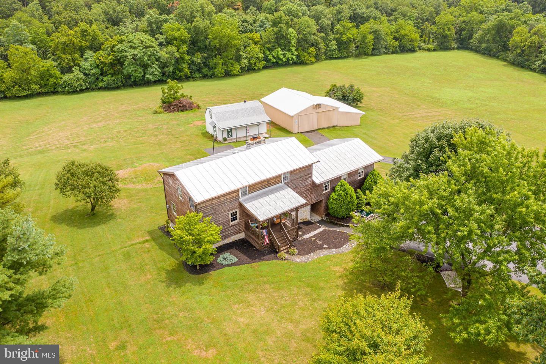 Single Family Homes pour l Vente à Clear Brook, Virginia 22624 États-Unis