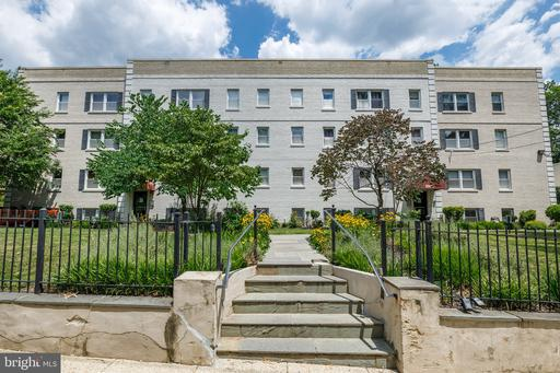 3960-3960 PENNSYLVANIA AVE SE #305