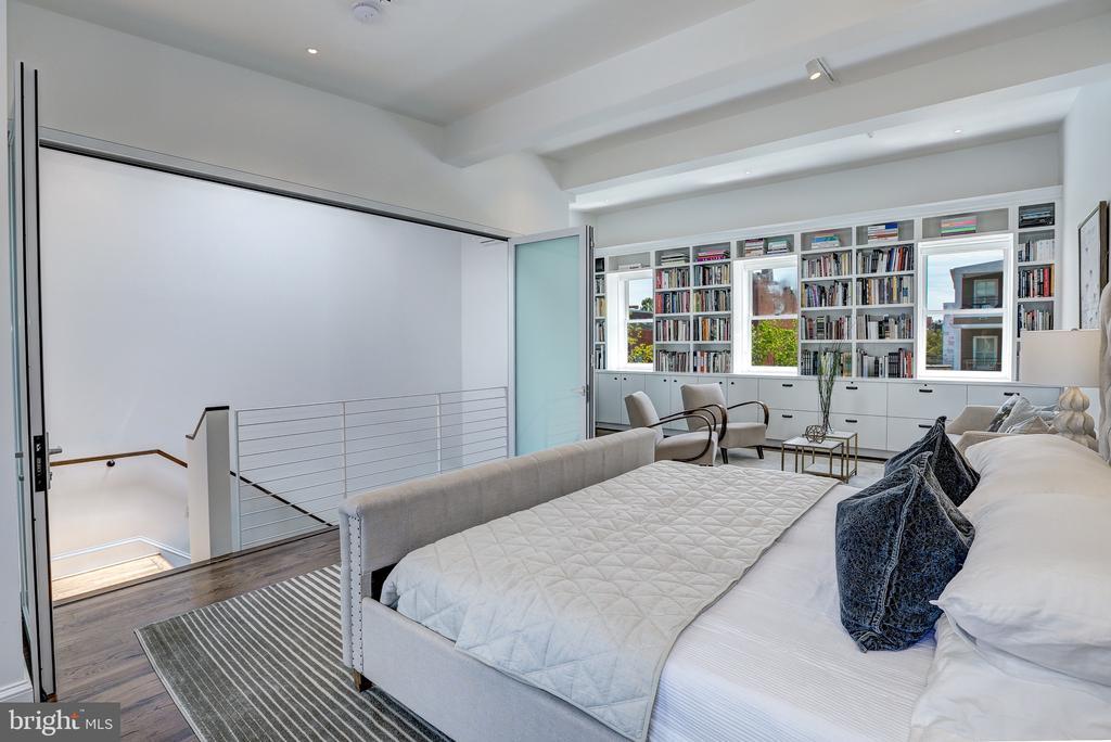 The Master Bedroom - 1013 O ST NW, WASHINGTON