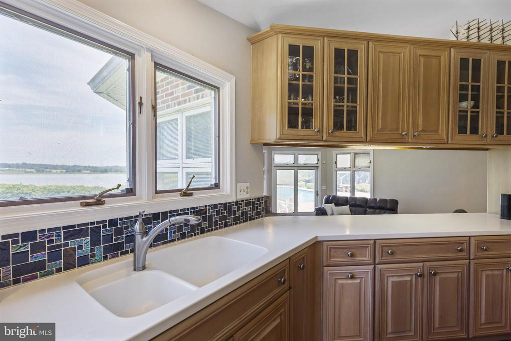 Kitchen is right next to great room - 3580 DEEP LANDING RD, HUNTINGTOWN