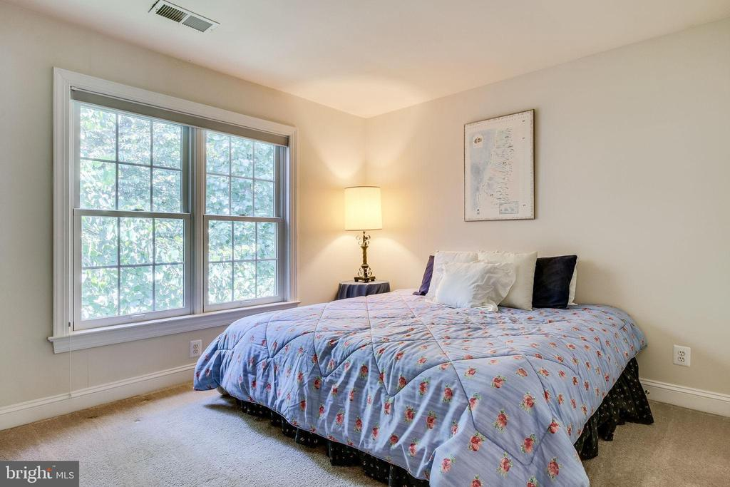 Bedroom #4 - 3720 SPICEWOOD DR, ANNANDALE