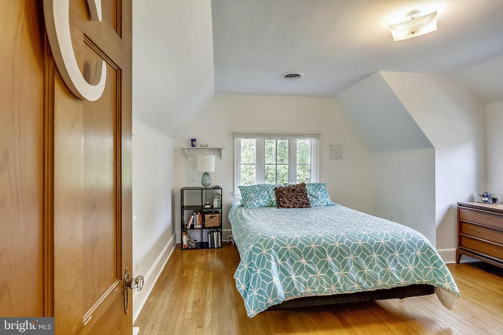 Upper Level 3 Bedroom 5 - 9510 THORNHILL RD, SILVER SPRING