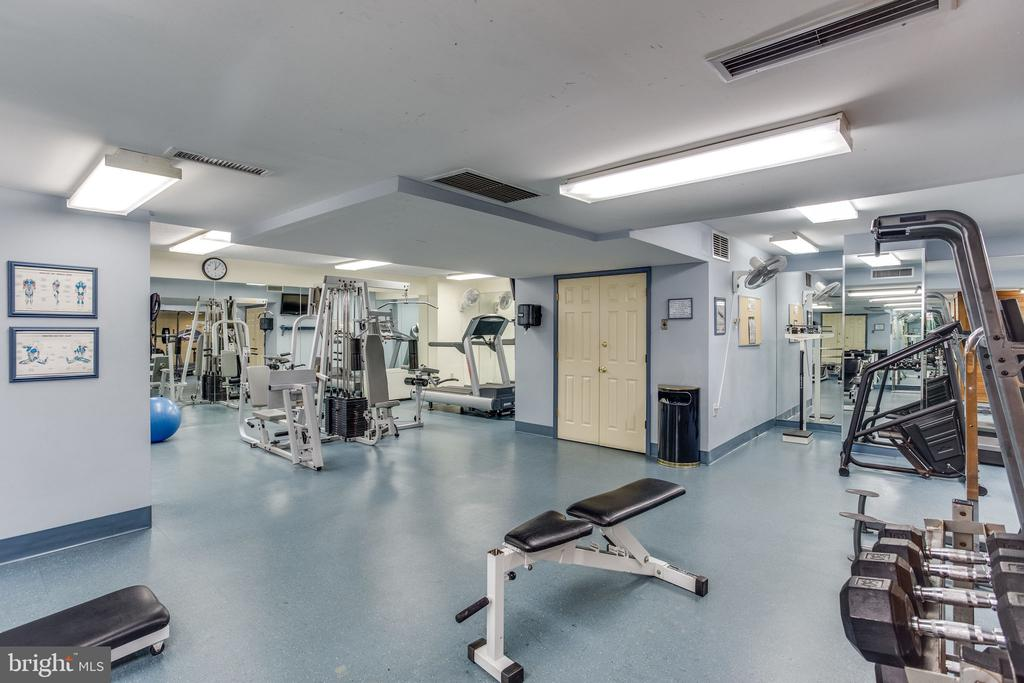 Stay healthy & fit! - 3705 S GEORGE MASON DR #702S, FALLS CHURCH