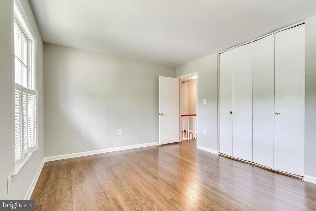 Bedroom 2 - 5000 FLEMING DR, ANNANDALE