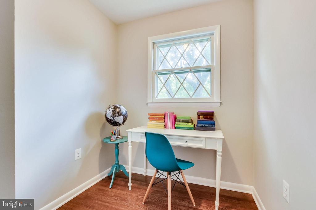 Bedroom 5/Office/Virtual School Nook - 5000 FLEMING DR, ANNANDALE