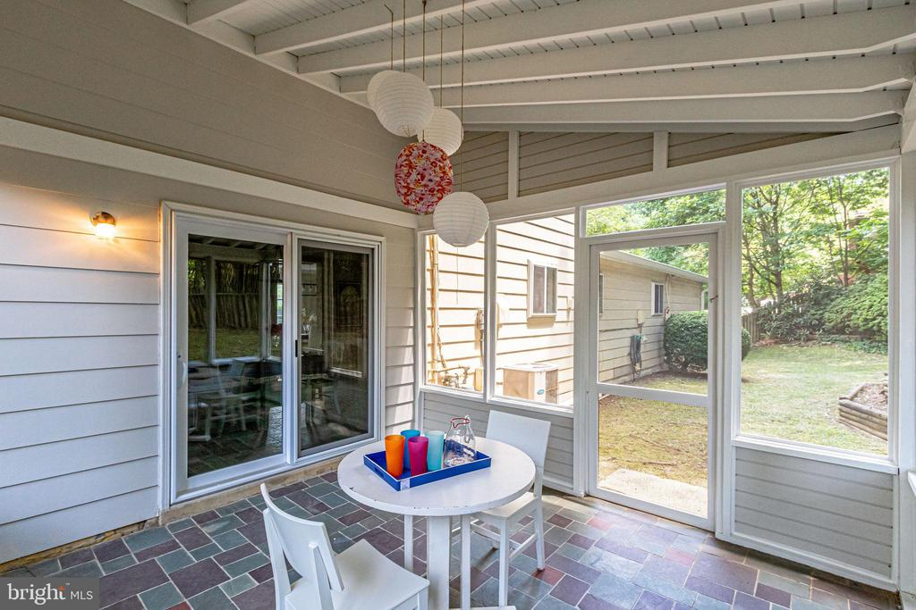 Imagine the outdoor entertaining fun you will have - 5000 FLEMING DR, ANNANDALE