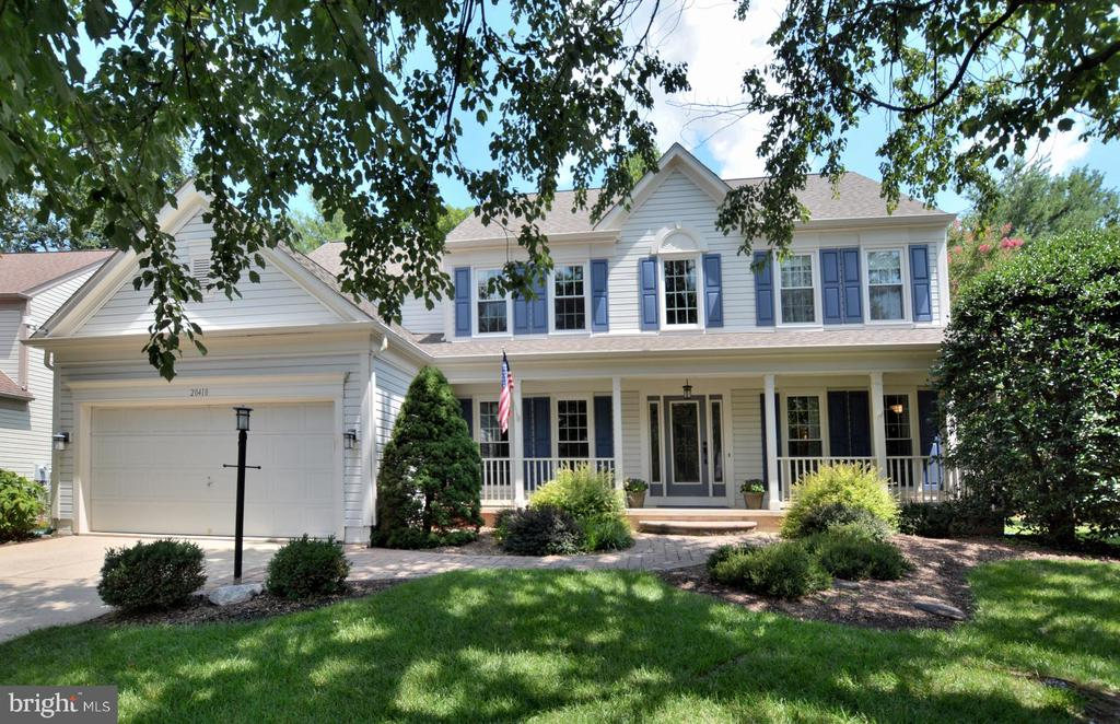 Home located on quiet cul-de-sac Great front porch - 20418 ROSEMALLOW CT, STERLING