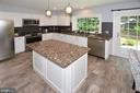 Updated Kitchen with Granite counters/island - 20418 ROSEMALLOW CT, STERLING