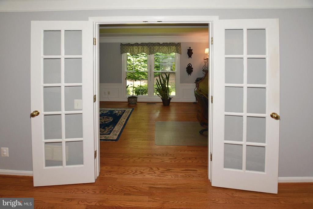 French doors into Den - 20418 ROSEMALLOW CT, STERLING