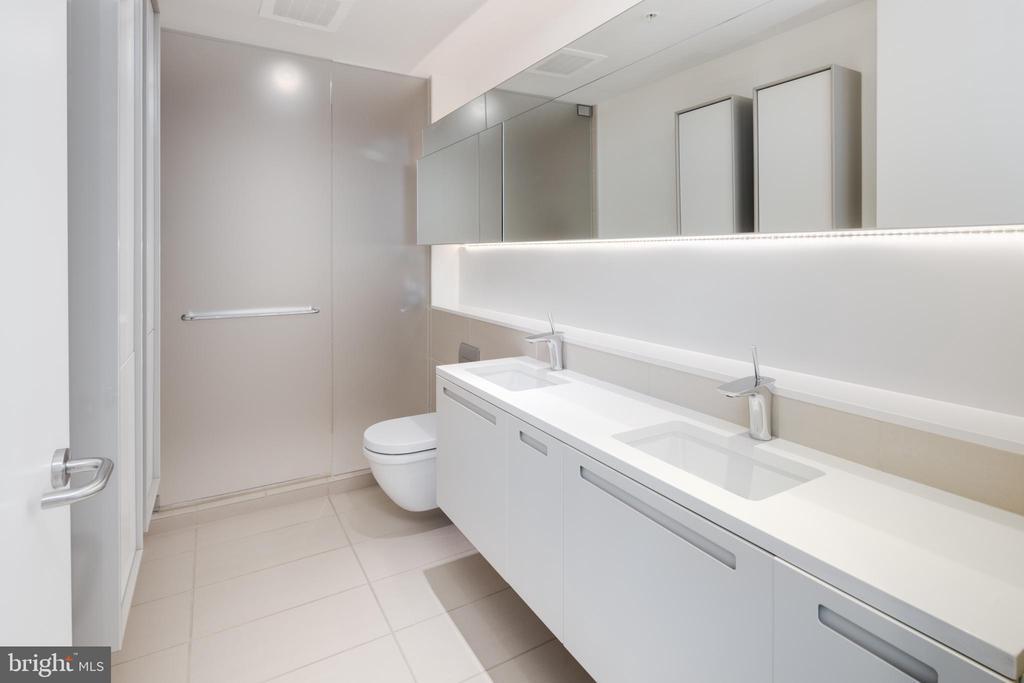 Master bathroom - 920 I ST NW #715, WASHINGTON