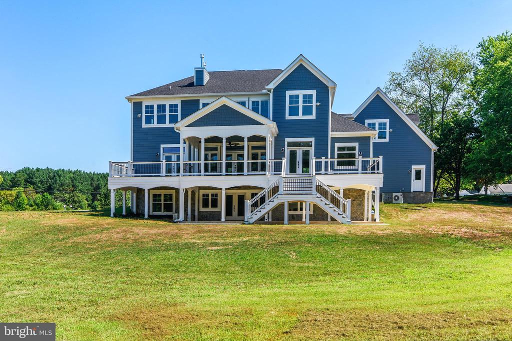 The back of this home is breathtaking - 14612 BRISTOW RD, MANASSAS