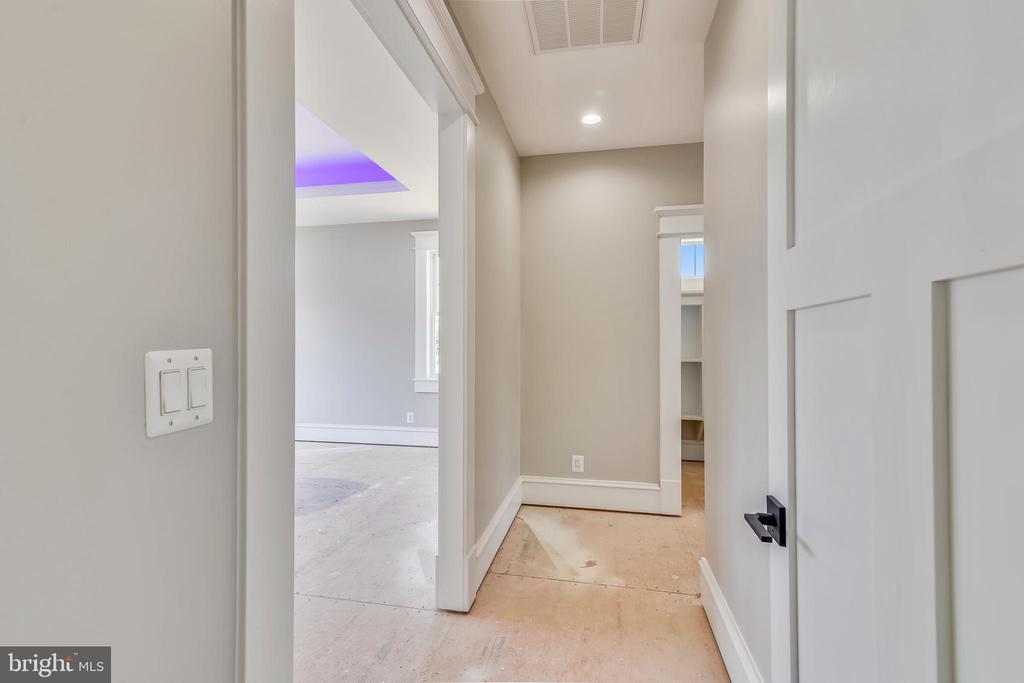 Walkway to second master/bedroom #2 - 14612 BRISTOW RD, MANASSAS