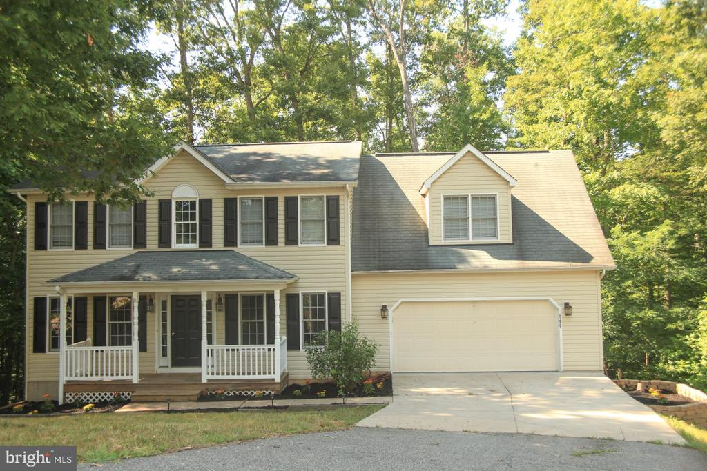 - 8259 FAIRBANKS CT, KING GEORGE