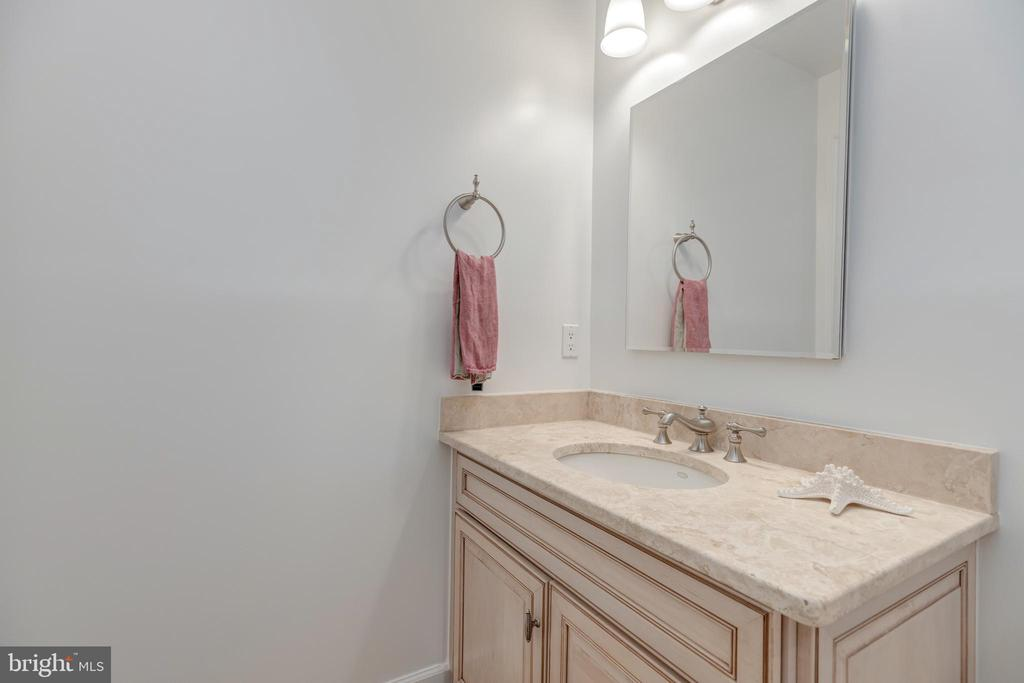 Main level full bath - 3629 ALBEMARLE ST NW, WASHINGTON