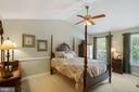 Owner's suite with cathedral ceiling - 6411 SPRINGHOUSE CIR, CLIFTON
