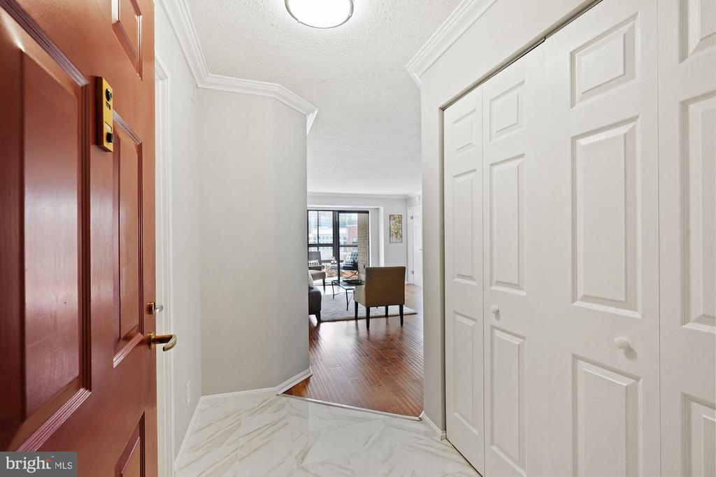 Entrance - 1600 N OAK ST #1716, ARLINGTON