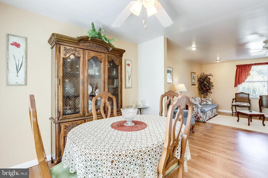 Invite family over for holiday dinner - 128 N GARFIELD RD, STERLING