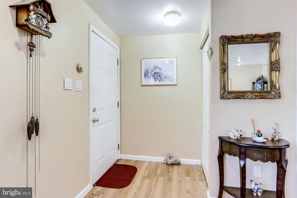 Entry provides coat closet - 128 N GARFIELD RD, STERLING