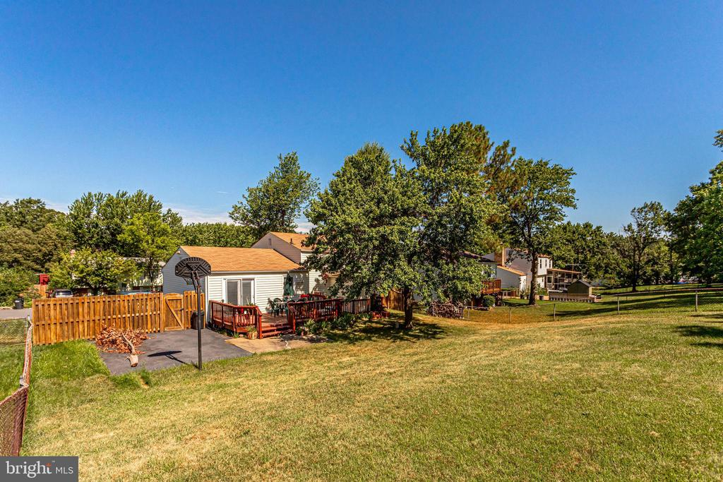 Almost a 1/4 acre lot - 128 N GARFIELD RD, STERLING