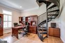 Library with Spiral Staircase to Craft Room - 41820 RESERVOIR RD, LEESBURG