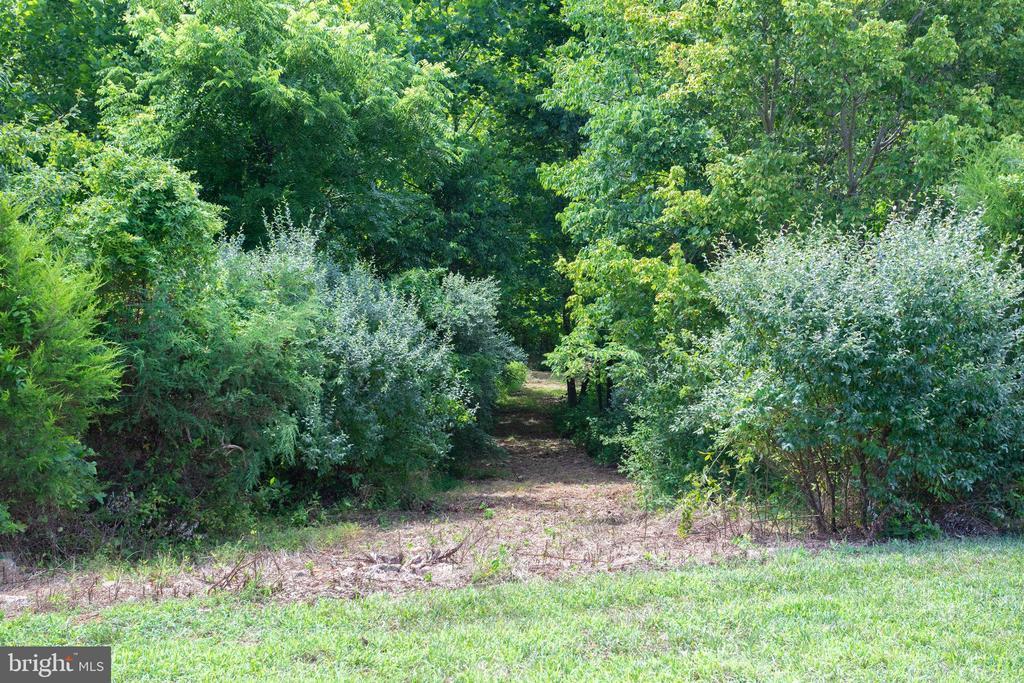Multiple Trails - 41820 RESERVOIR RD, LEESBURG