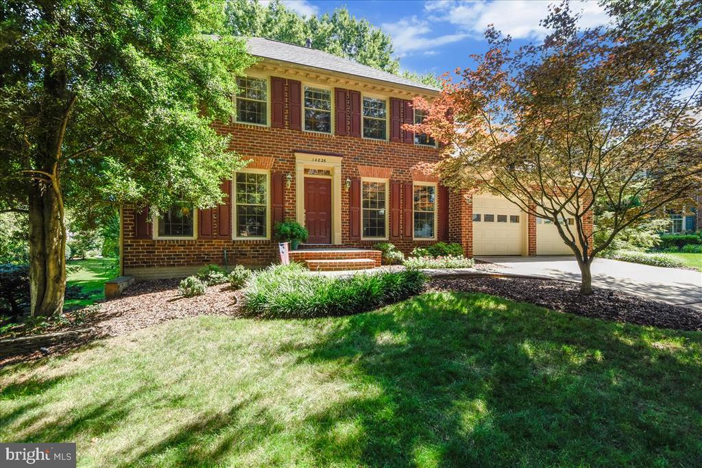 Stately brick front Colonial on a cul-de-sac - 14826 HUNTING PATH PL, CENTREVILLE