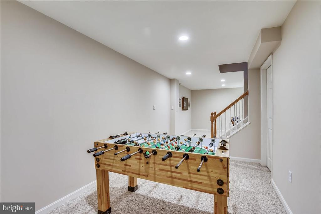 - 14826 HUNTING PATH PL, CENTREVILLE