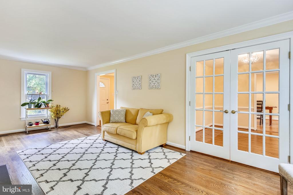 Gorgeous French doors to formal dining. - 8327 STONEWALL DR, VIENNA