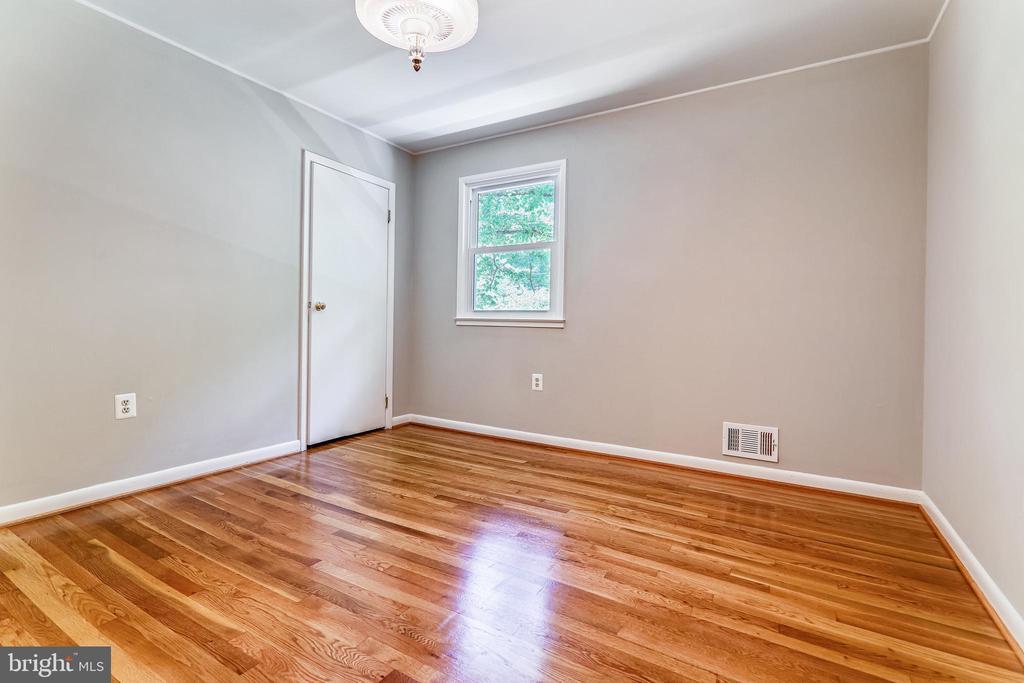Bedroom - 6811 WINTER LN, ANNANDALE