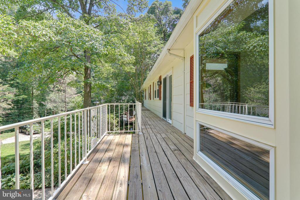 Front Balcony - 6811 WINTER LN, ANNANDALE