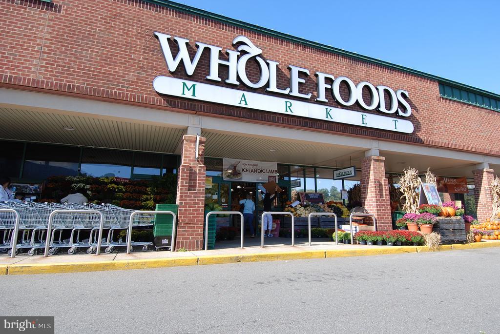 3 Whole Foods w/in 5 mi; Maple Ave 2mi, Hwy7 3mi - 8327 STONEWALL DR, VIENNA