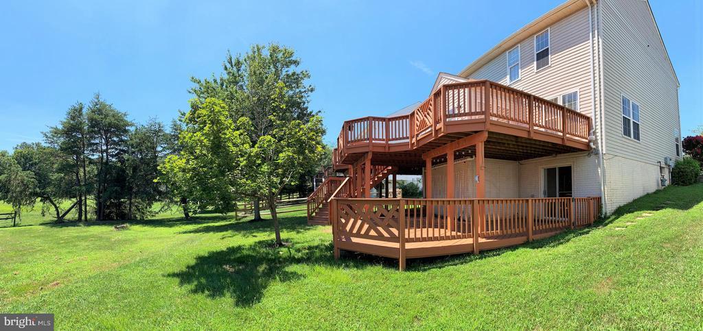 2 Tier Wooden Deck to Common Area - 43193 CARDSTON PL, LEESBURG