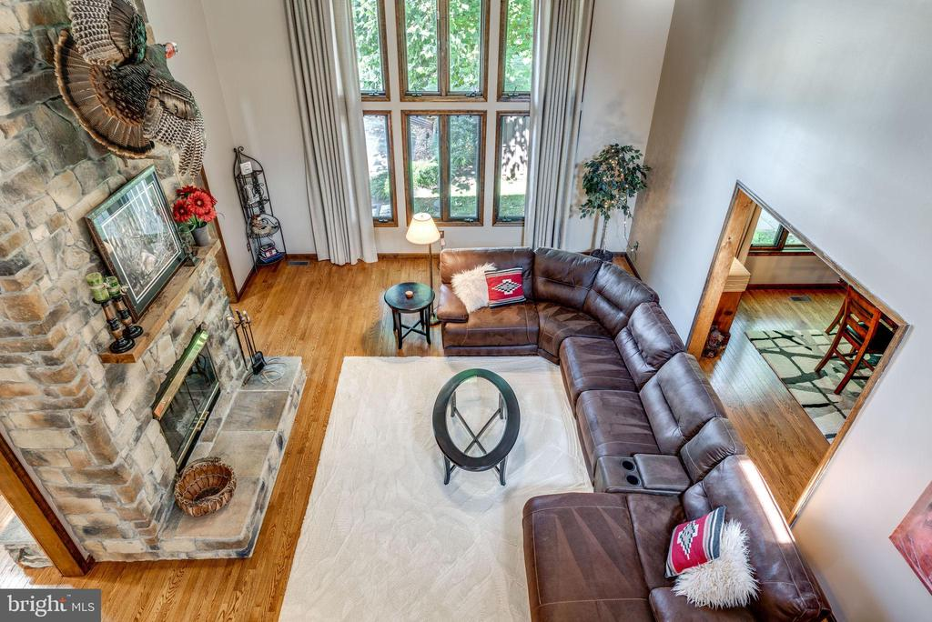 Overlooking Great Room from the upstairs - 1676 LOUDOUN DR, HAYMARKET