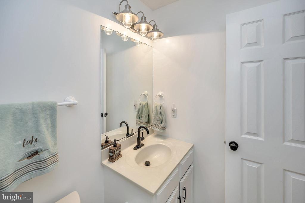 New Hardware & fixtures - 111 SILVER SPRING DR, LOCUST GROVE
