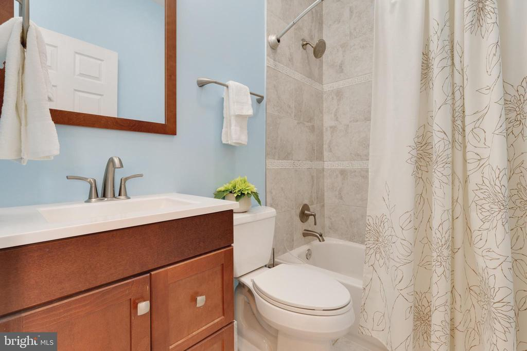 - 4952 TERRELL ST, ANNANDALE