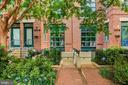 A boutique lux complex of 12 amazing homes! - 520 1/2 13TH ST SE #A, WASHINGTON