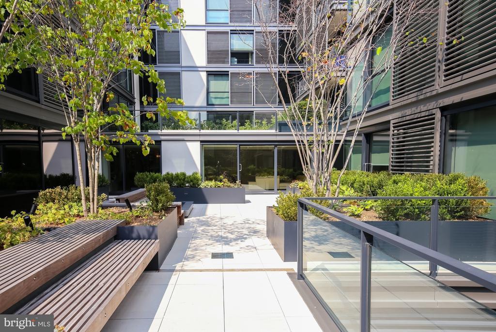CityCenter courtyard - 920 I ST NW #715, WASHINGTON