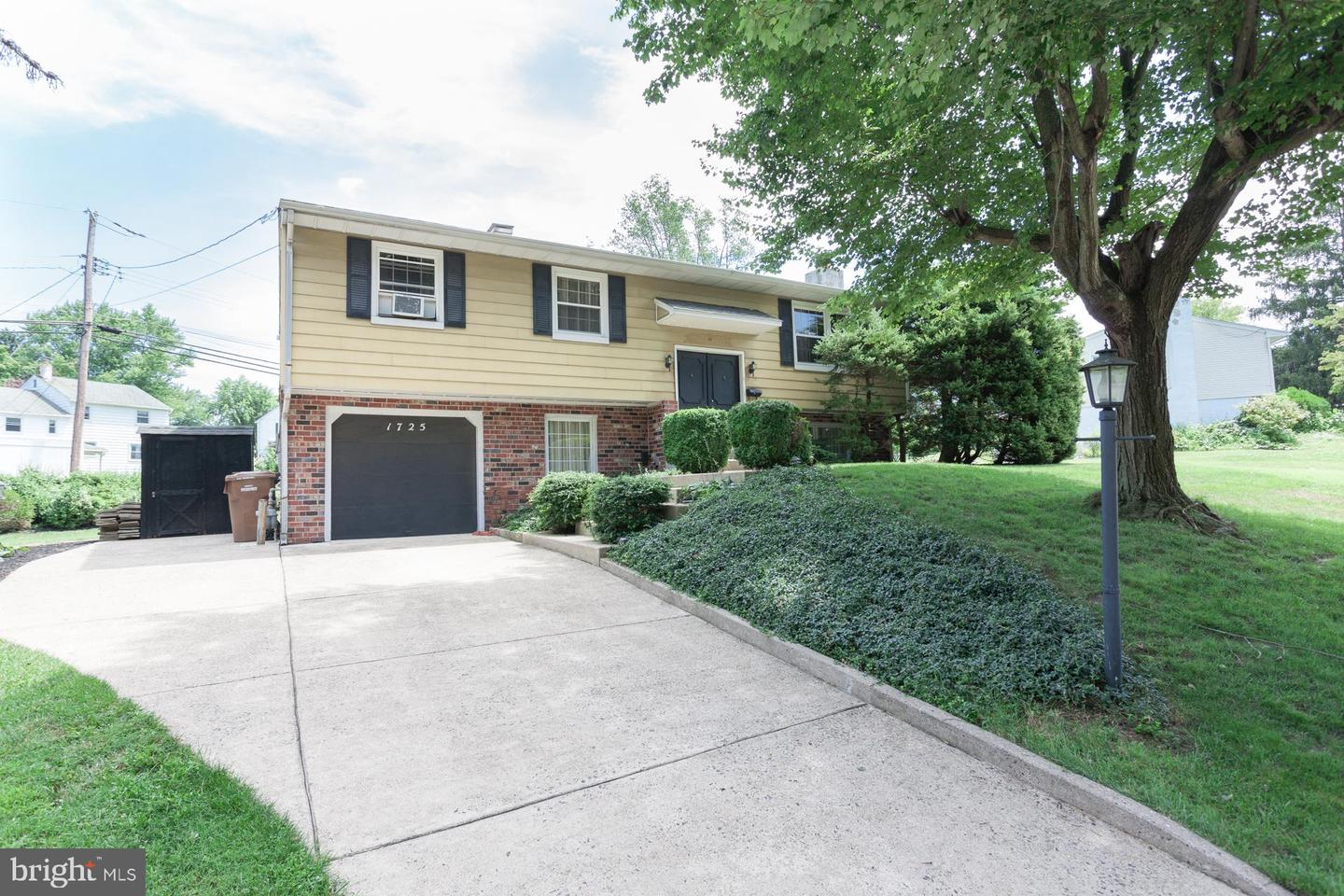 Single Family Homes for Sale at Willow Grove, Pennsylvania 19090 United States