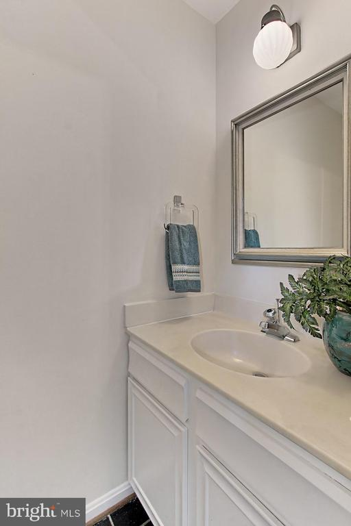 Conveniently Located Main Level Powder Room - 4631 N 4TH RD N, ARLINGTON