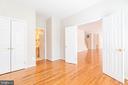 Study/bedroom with closet and bathroom access - 6033 SUMNER RD, ALEXANDRIA