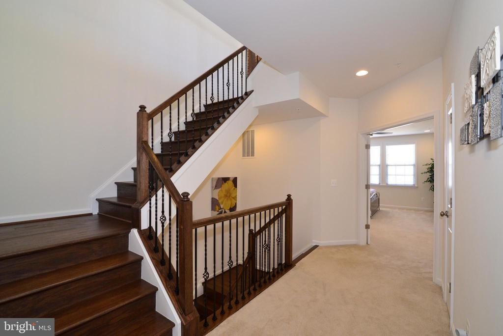 Stairs to level 4 - 23398 EPPERSON SQ, BRAMBLETON