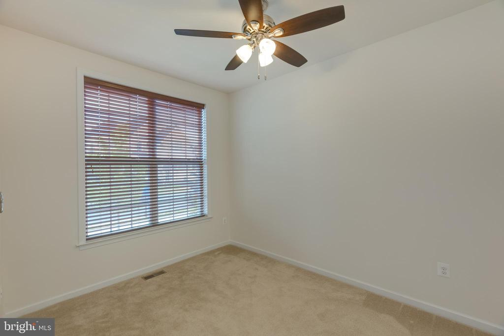 Office on main level - 43172 ASHLEY HEIGHTS CIR, ASHBURN