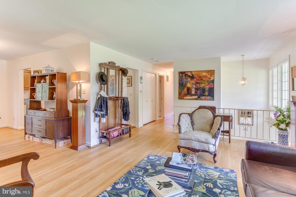 Living Room - 805 GOLDEN ARROW ST, GREAT FALLS