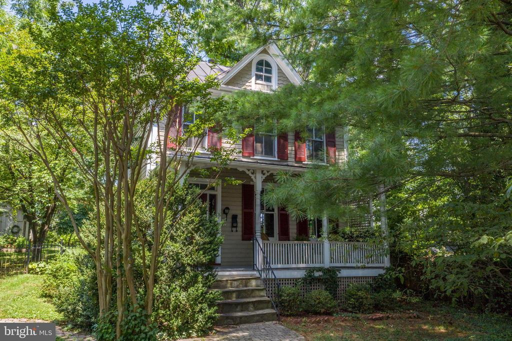 Charming & Private 19th Century Gem - 16 UNION ST NW, LEESBURG